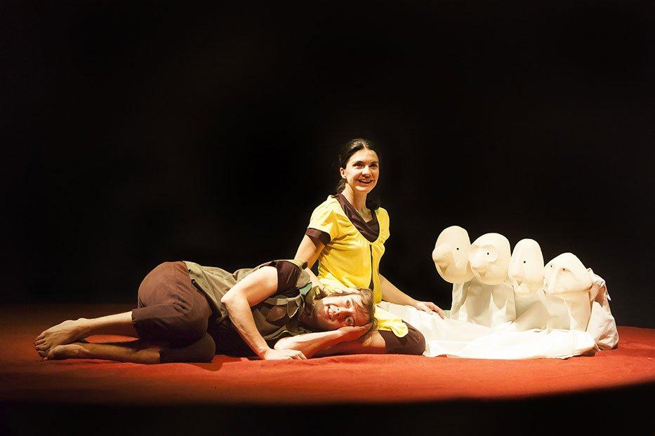 Peter Pan Y Wendy-el-perro-azul-teatro-07933x622